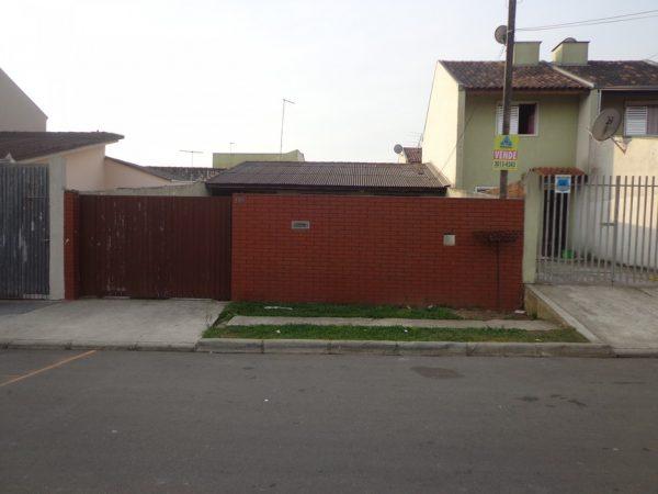 casa-em-curitiba-no-bairro-cidade-industrial-02