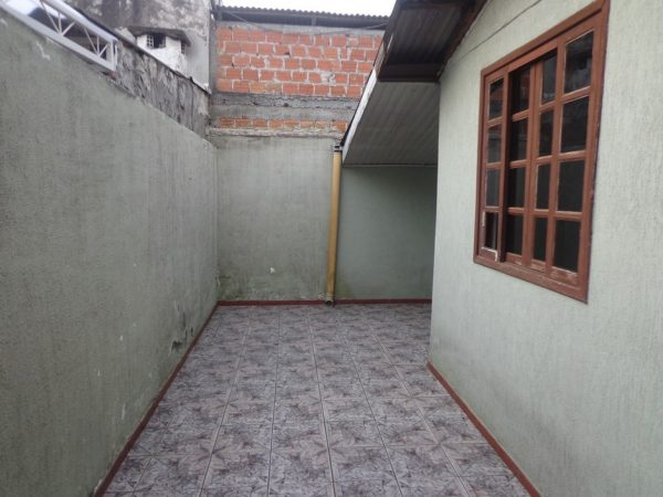 casa-em-curitiba-no-bairro-cidade-industrial-09